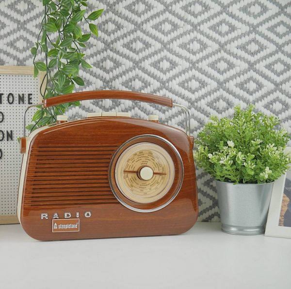 Steepletone Brighton Retro Radio - Wood Effect