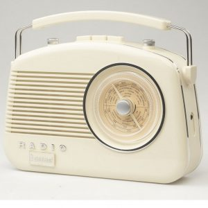Steepletone Brighton Retro Radio - Beige