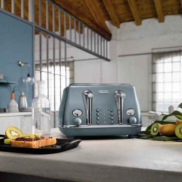 DeLonghi Icona Metallics Toaster Cobalt Blue