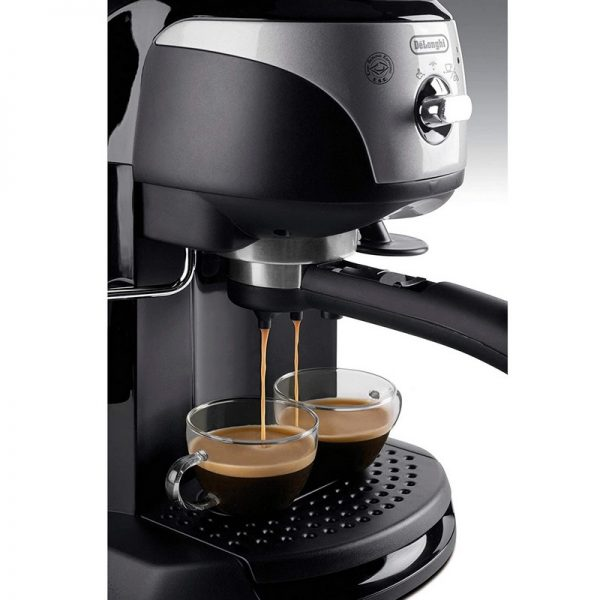 DeLonghi Traditional Pump Espresso Coffee Machine